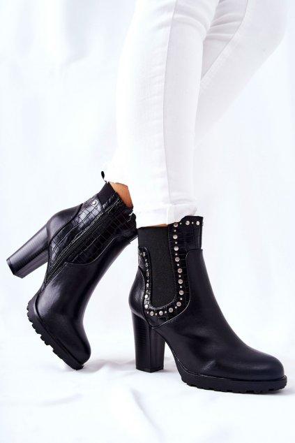 Členkové topánky na podpätku farba čierna kód obuvi M520 BLK