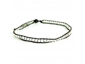 Biely náhrdelník s guličkami