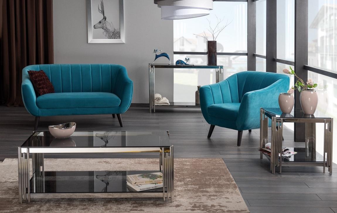 Barvou roku 2020 je klasická modrá. A klasika nábytku sluší nejvíc!