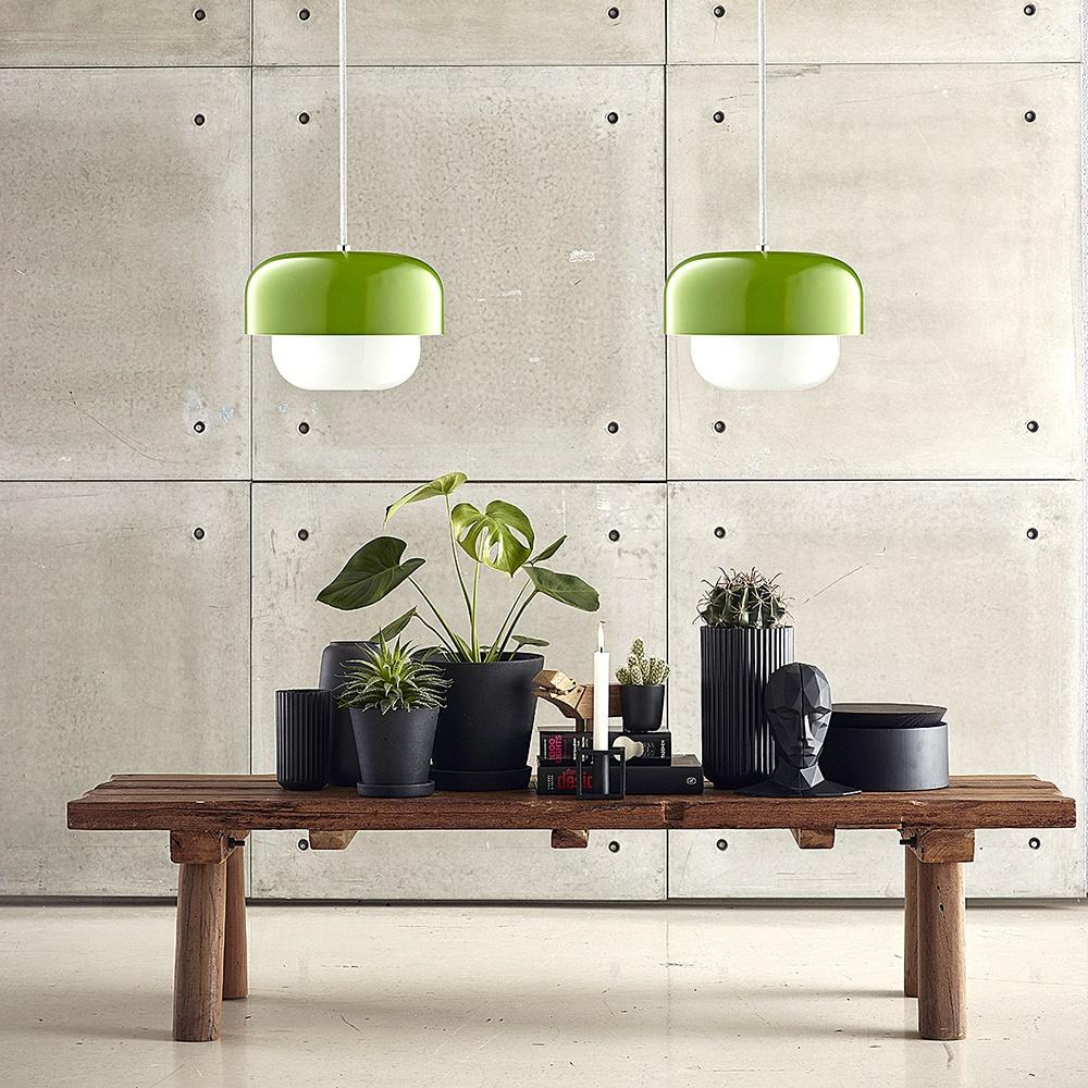 5 závěsných světel, které budou ozdobou interiéru