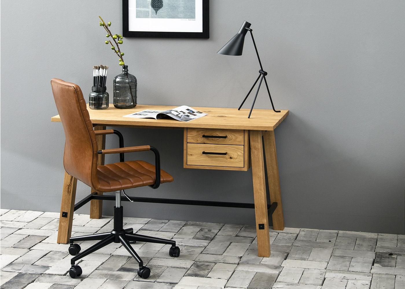 Pracujete z domova? Správný nábytek vám pomůže k lepším výsledkům