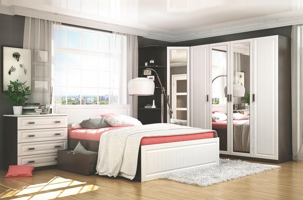 Ložnicová sestava v bílé barvě a dekoru wenge KN750