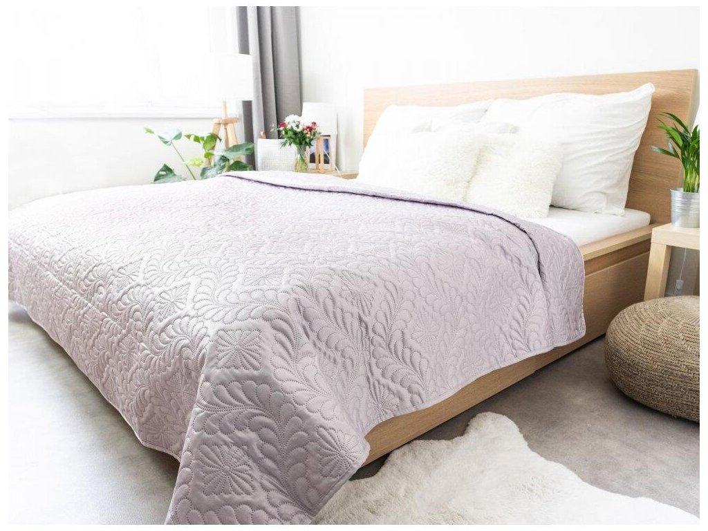 a8a259990d12df19a29a0472d4cc6314c2b3f313 ervi plas luxusni prehoz na postel amadeo svetle fialovy 220 240 cm