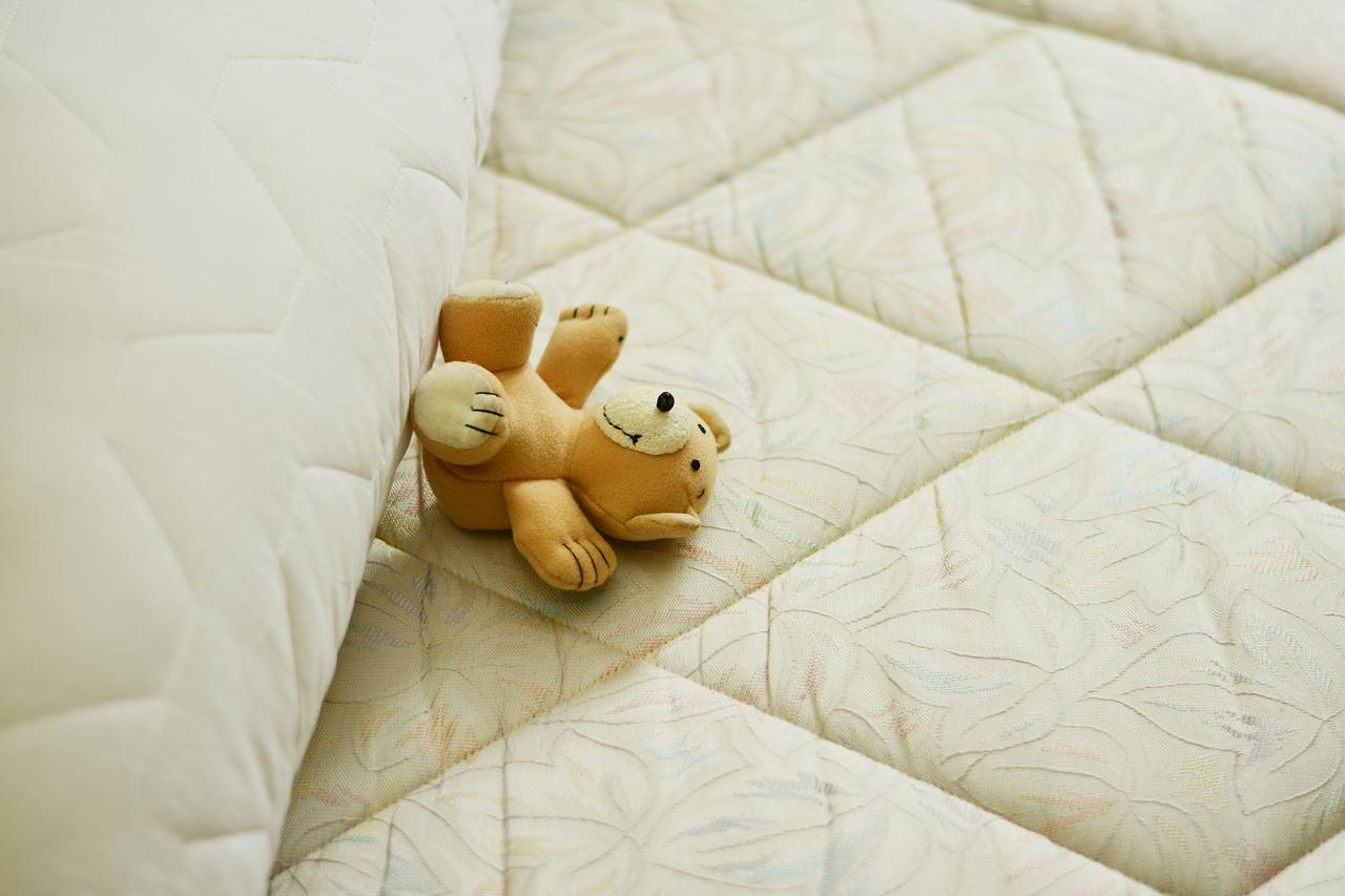 Tipy, jak využít rozkládací matraci, když máte malé děti
