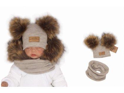 Komplet zimowy dzieciecy z futerkowymi pomponami. Bezowa czapka i szalik na zime dla noworodka. Wloczkowy komplet na zime z futerkiem.