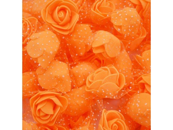 Pěnové květy na dekoraci