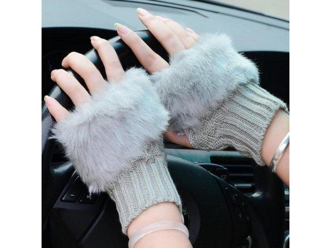 Bezprsté rukavice s kožešinou