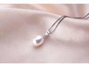 Dámský náhrdelník s přívěskem