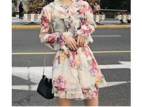 Volánkové šaty s květinami