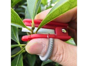 2 main garden pruner fruit picking device multifunction thumb knife safe fruit blade tool cutting blade rings finger protector