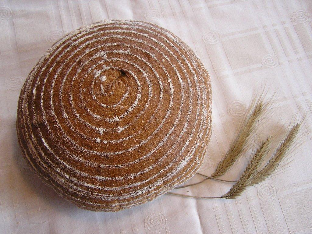 chléb kulaty 1200g a 600g