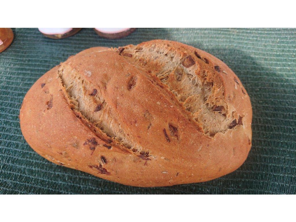 Chléb s uzeným a s cibulkou (Branka Rakovník)