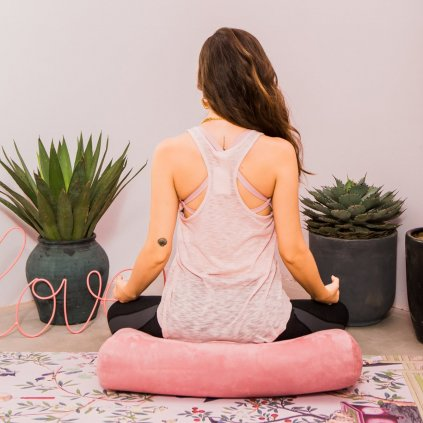 yoga bolster6 1800x1800