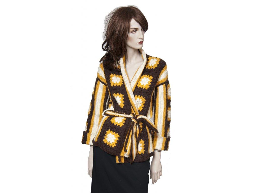 krasny rucne pleteny svetr kabatek 1