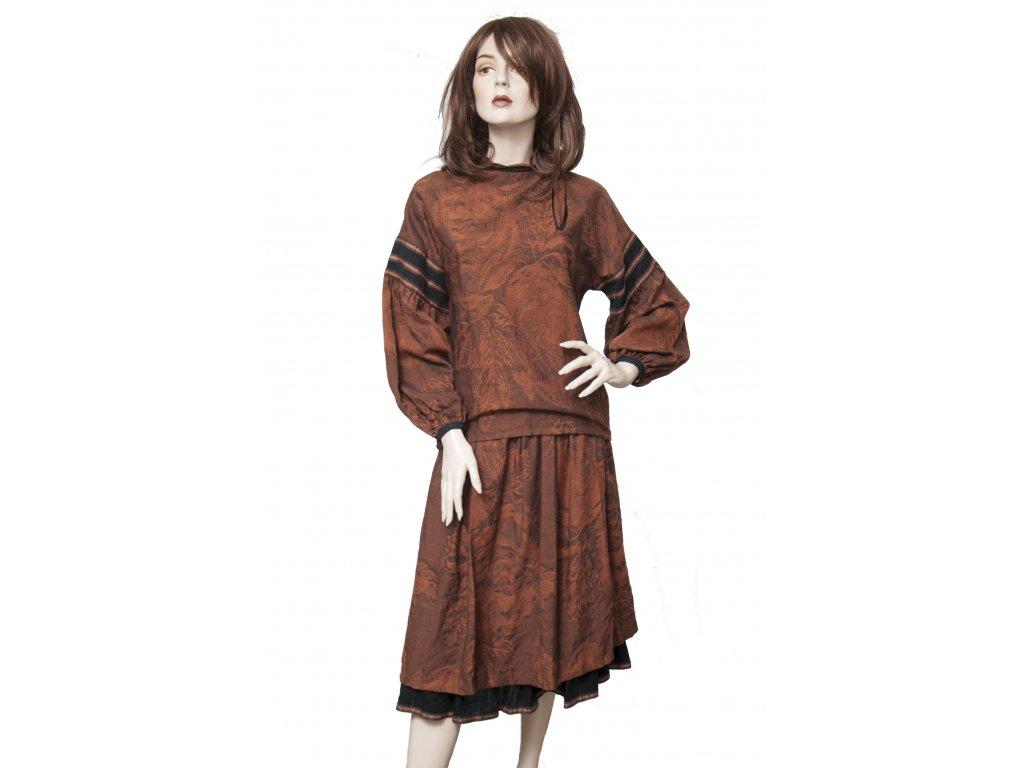 Hezký vintage vlněný kostým hnědý 38
