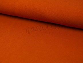 oranžovo červená