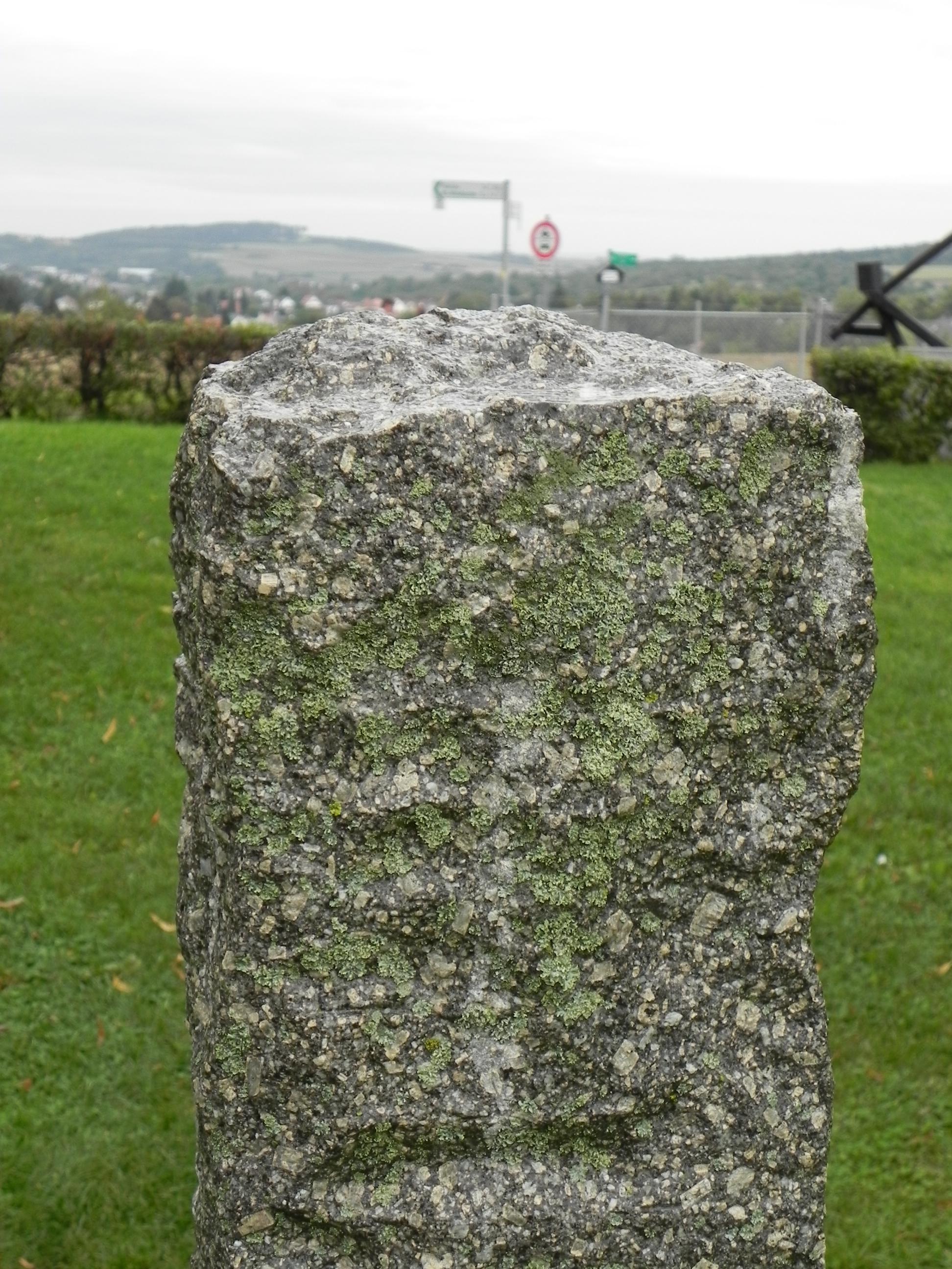 neošetřený kamen