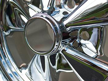 ochrana na kovy tiež ochráni chrómované predmety