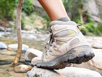nano impregnácia topánok a obuvi je vhodná aj pre trekové topánky
