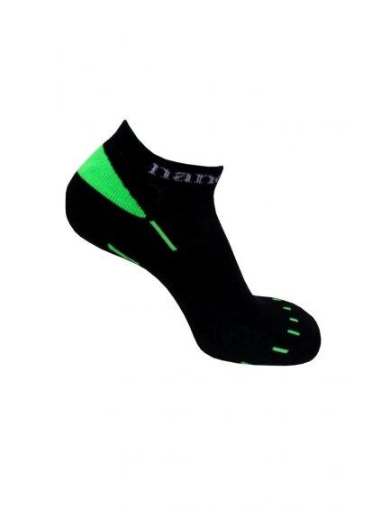 černo zelené