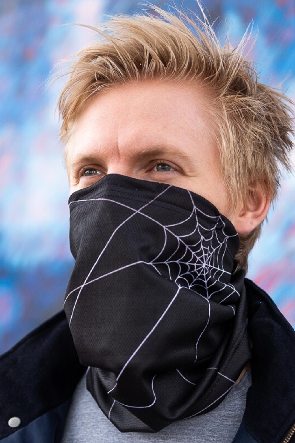 Antivirový šátek nanoSPACE - černý Nová verze: vyměnitelný nosní klip