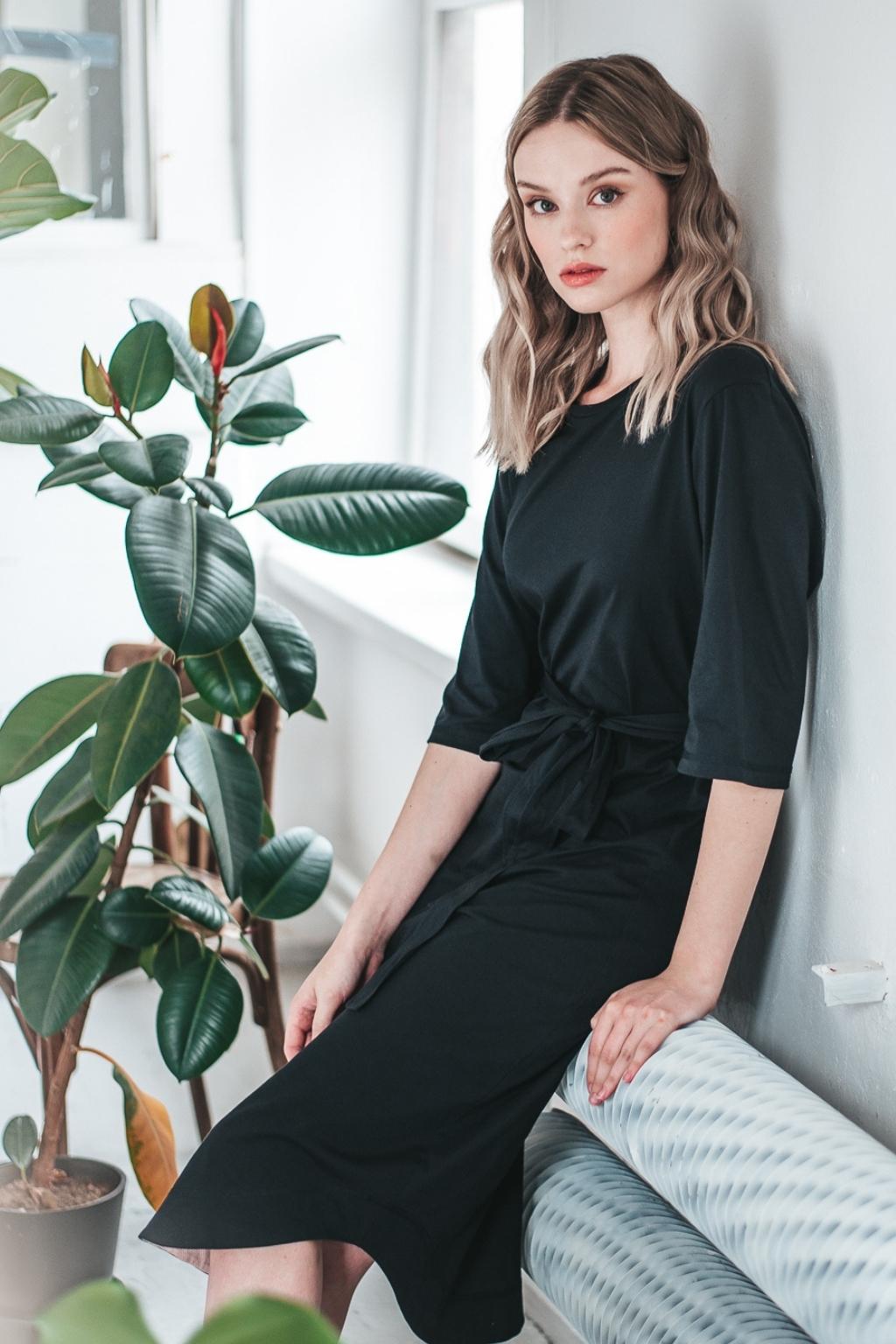 Levně Černé minimalistické šaty TUNIQ – nanoSPACE by LADA Velikost: M