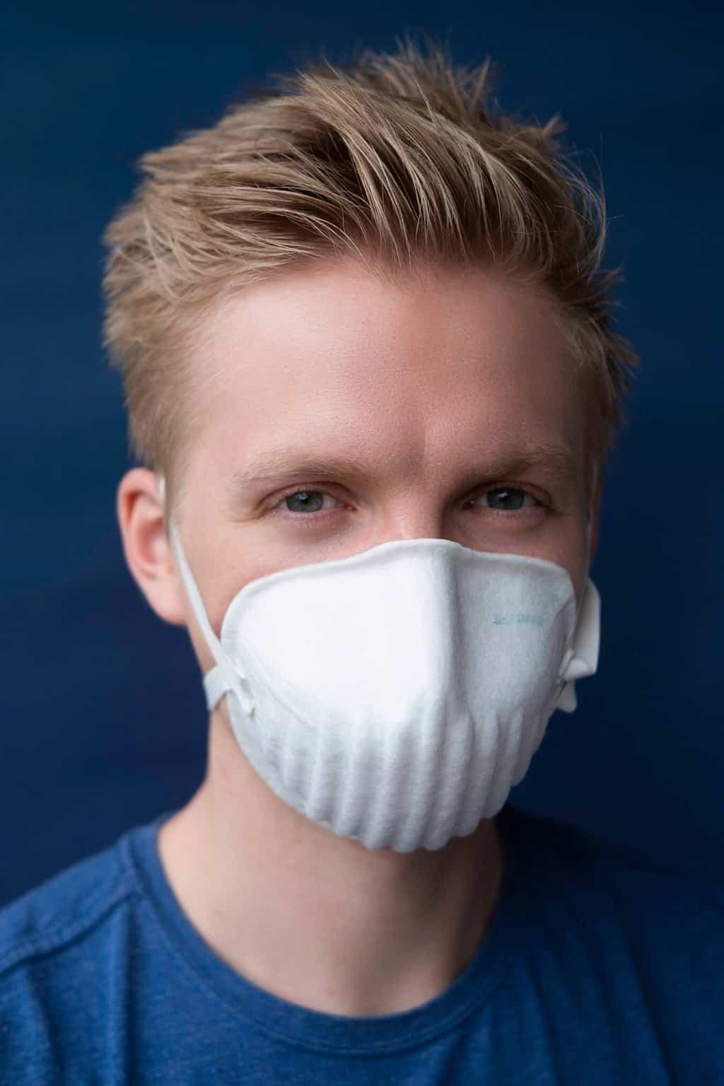PARDAM - český výrobce respirátorů BreaSAFE Nano respirátor BreaSAFE® ANTI-COVID-19 FFP2 Velikost balení: 3 ks 165 Kč / ks / Opakovaně použitelný