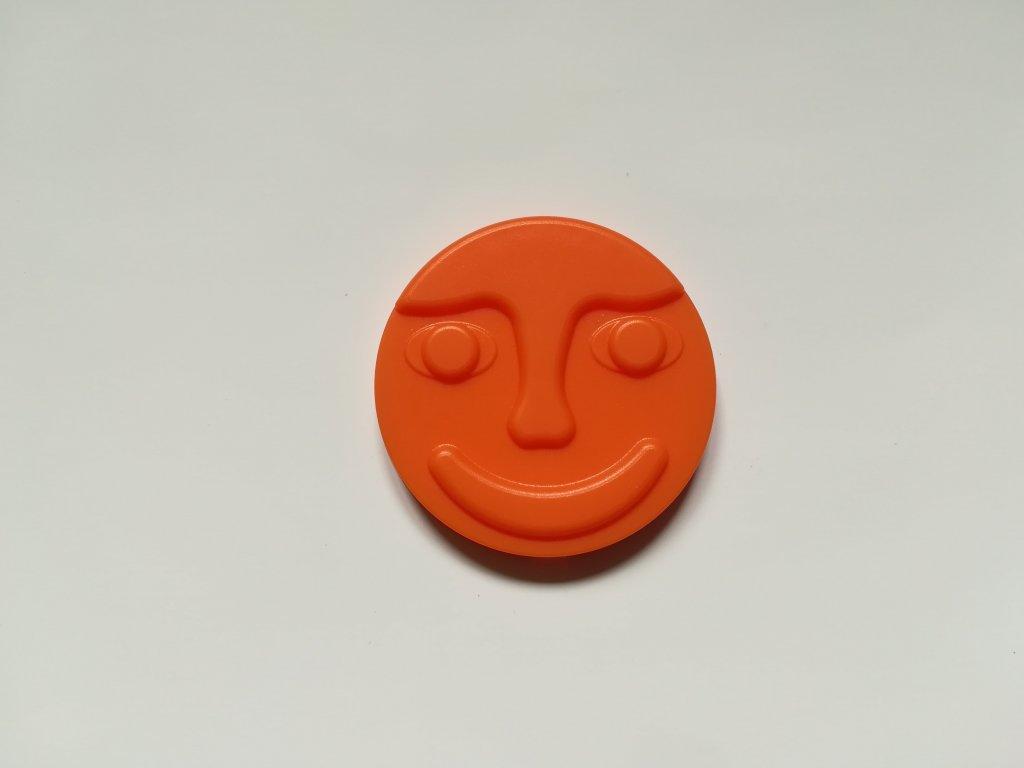 Oranžový střed s tváří