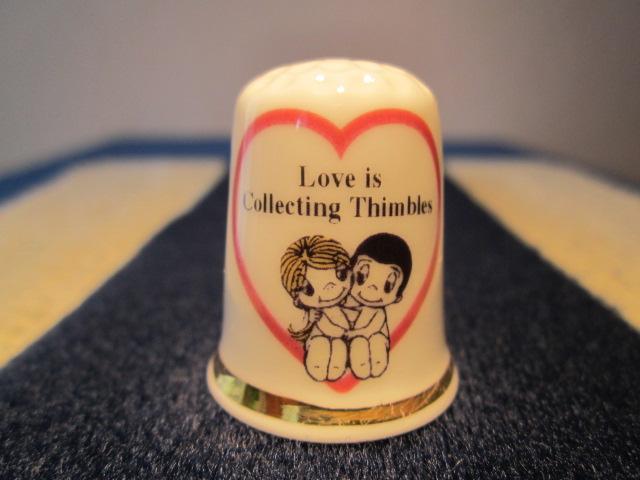 Láska je... sbírat náprstky