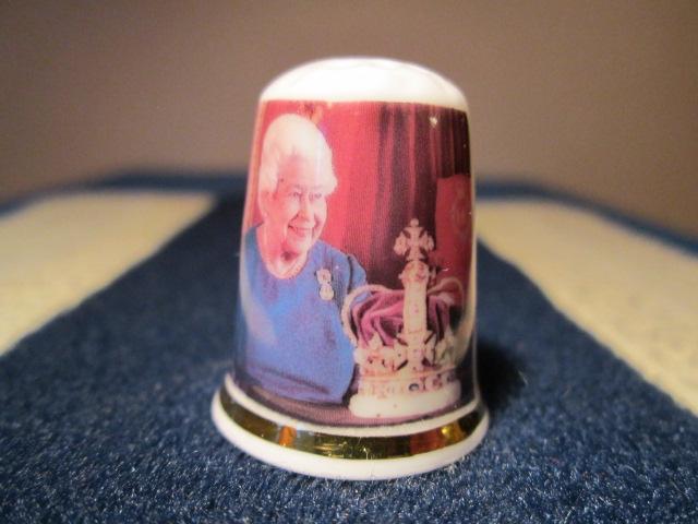 Královna Alžběta II. - výroční náprstek