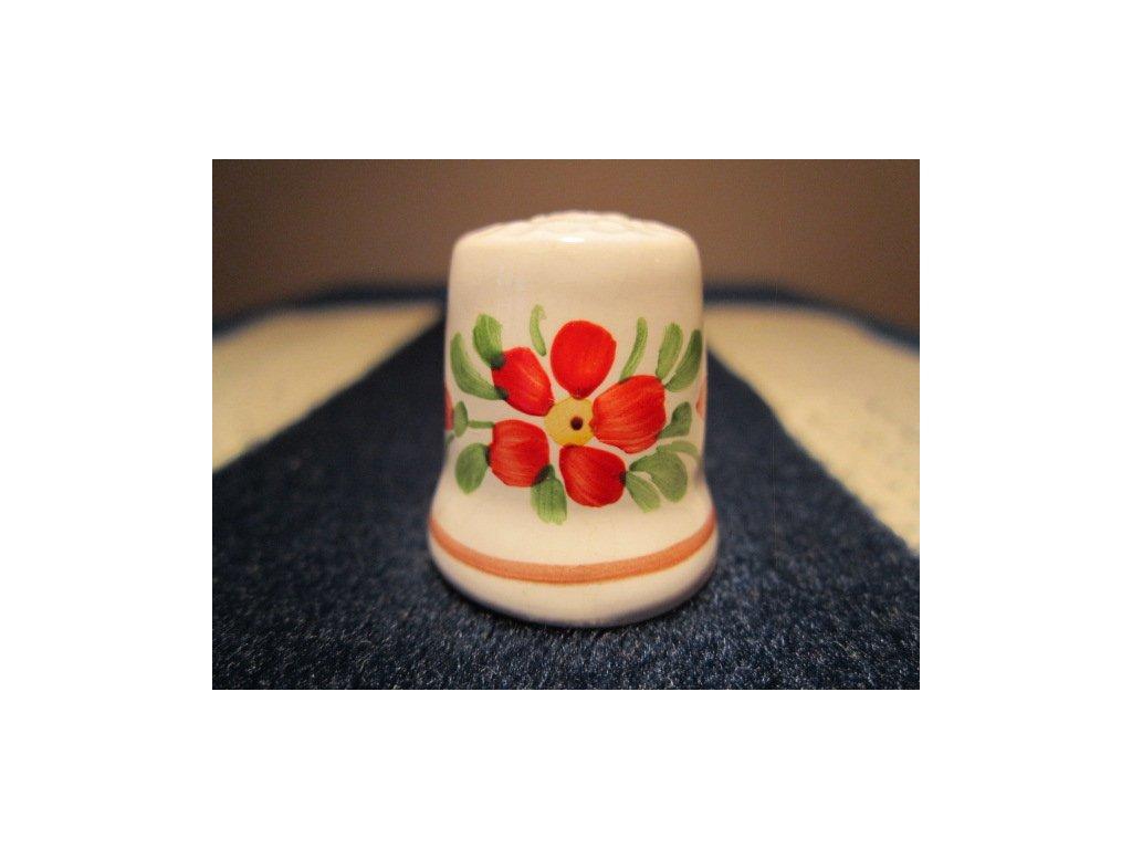 Sběratelský náprstek - Chodská keramika - s červeným květem