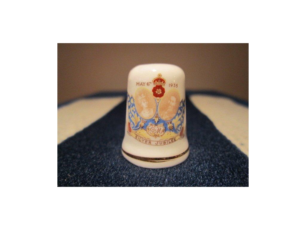 Sběratelský náprstek - Král Jiří V. a Královna Marie z Tecku - stříbrné výročí svatby 1935, St. George