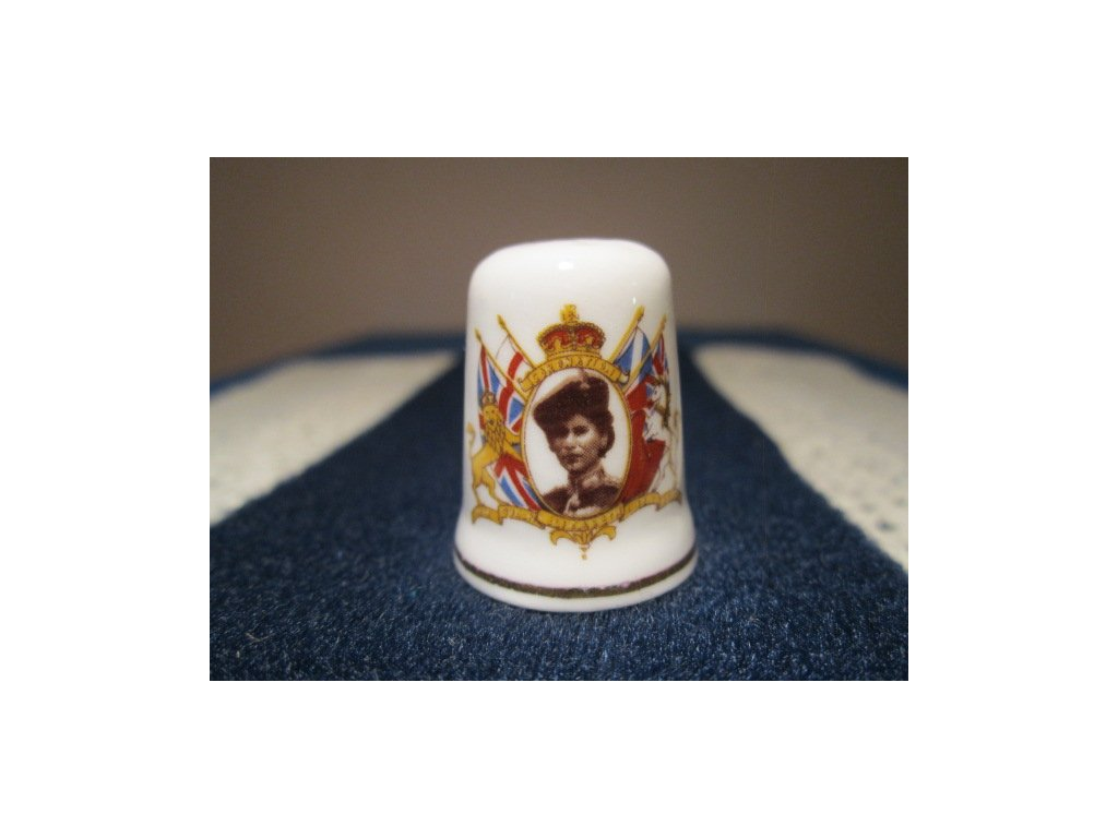 Sběratelský náprstek - Královna Alžběta II., korunovace, St. George