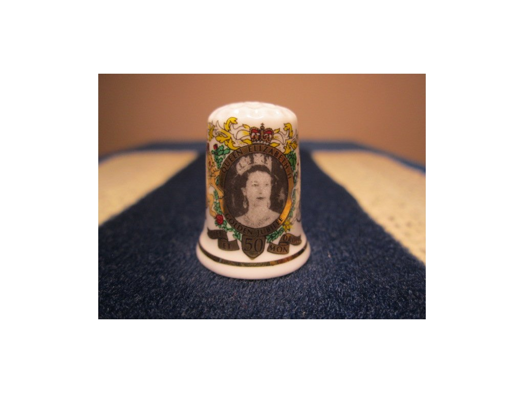 Sběratelský náprstek - Královna Alžběta II. - zlaté jubileum, Carol Ann Miniatures England