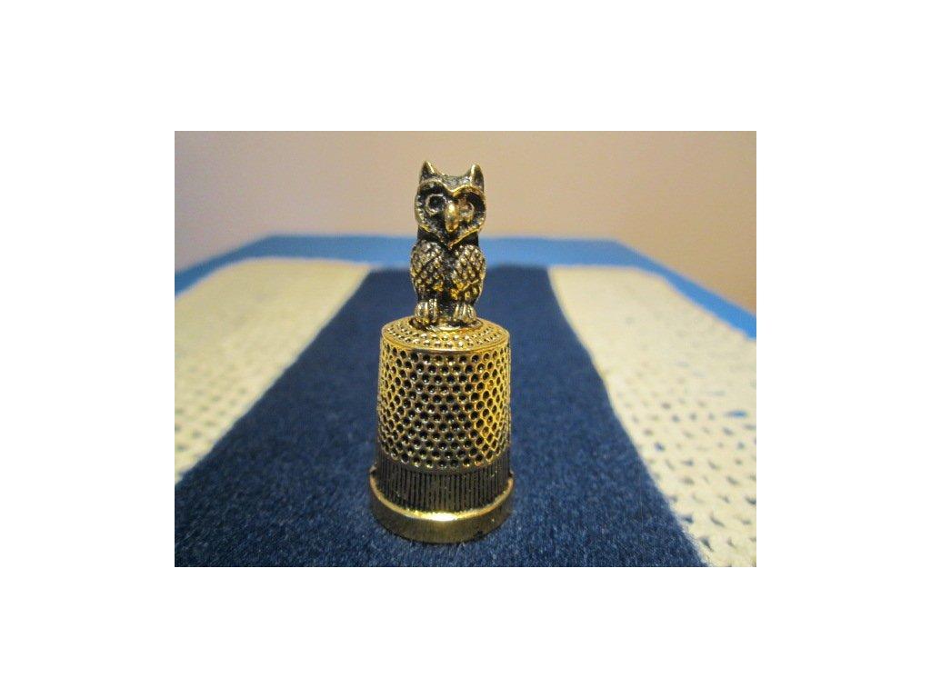 Sběratelský náprstek - 3D Sova kovový, uvnitř žlutý kov