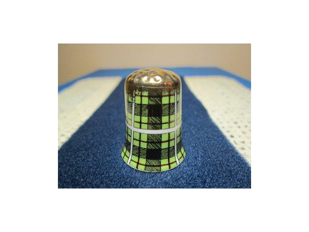 Sběratelský náprstek - Skotský kilt - vzor látky zelenočerný, se zlatým vrškem