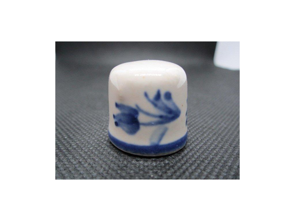 Sběratelský náprstek - Chodská keramika - modré květy kolem dokola, glazovaná keramika, v. 2,3 cm