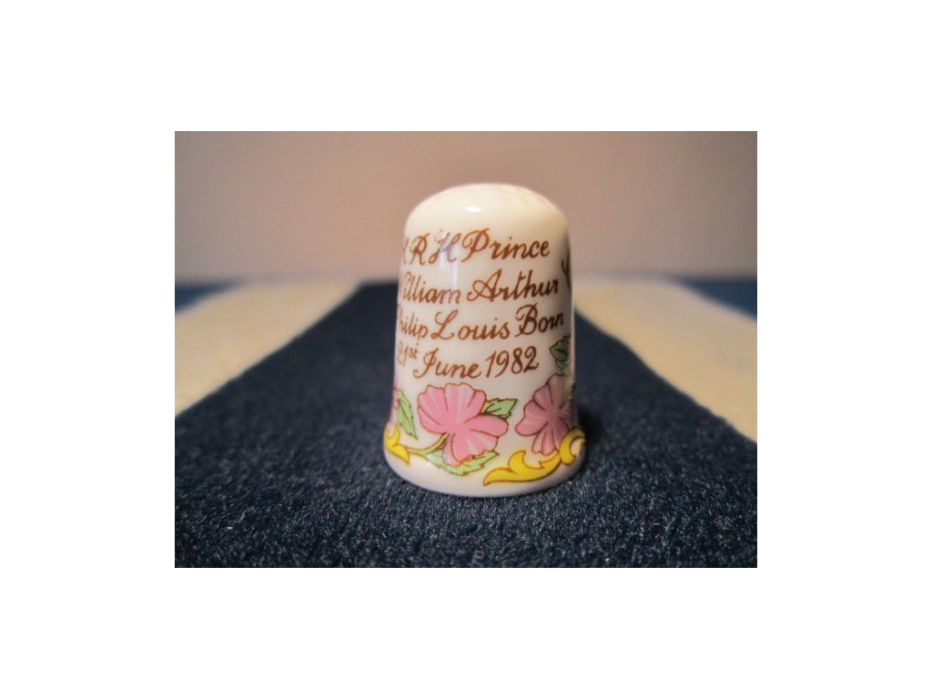 Sběratelský náprstek - Caverswall England - Princ William narození