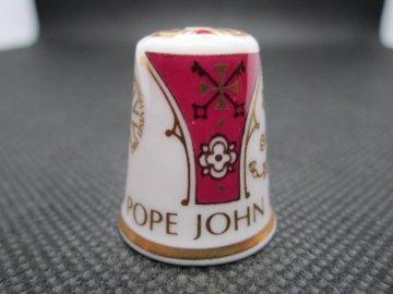 Sběratelský náprstek - Spode England - Návštěva Papeže Jana Pavla II. - Velká Británie 1982, číslovaný
