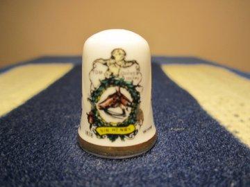 Sběratelský náprstek - Caverswall England - Anglie - Vítězové Derby, 150. výročí