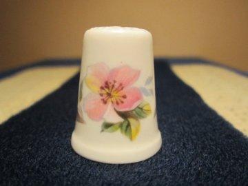 Sběratelský náprstek - Royal Grafton England - květina clematis