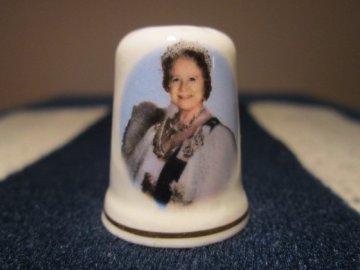 Sběratelský náprstek - Královna Alžběta - Královna matka, St. George