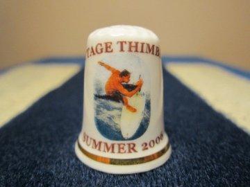 Sběratelský náprstek - Léto 2006 se surfařem, Cottage Thimbles