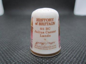 Sběratelský náprstek - TCC Victoria England - Historie Británie, č. 2, J.Caesar napadl Británii