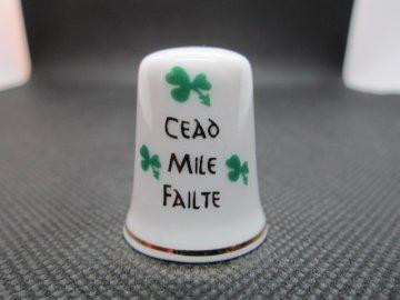Sběratelský náprstek - Irsko - Irský pozdrav (céad míle fáilte), se symboly Irska, trojlístky