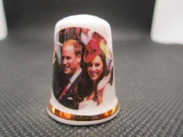 Sběratelský náprstek - Princ William a Kate, návštěva Kanady, 2011