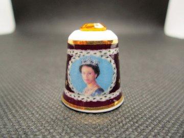 Sběratelský náprstek - Mayfair Edition - Královna Alžběta II. s krystalem - zlaté jubileum