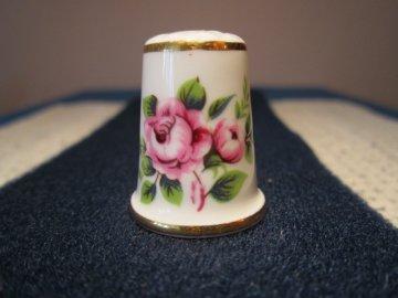 Sběratelský náprstek - Aynsley England - růže