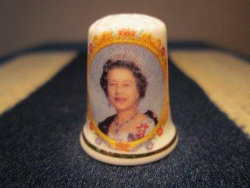 Sběratelský náprstek - Královna Alžběta II. - 50 let vlády 2