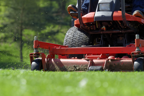 Zahradní traktory a ridery